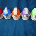 Húsvéti dísz, ajándék locsolóknak, Húsvéti díszek, 5 db húsvéti dísz, ajándék locsolóknak - színes műanyag tojások horgolt kosárkákban. Maga..., Meska