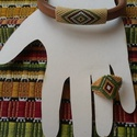 Bőr karkötő és gyöngy gyűrű őszi színekben