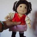 Waldorf jellegű öltöztetős gyapjúbaba (mini), Baba-mama-gyerek, Játék, Képzőművészet, Baba, babaház, Baba-és bábkészítés, Varrás, A baba, a waldorf babák mintájára készül természetes anyagokból.  Töltete gyapjú, haja gyapjúfonal ..., Meska