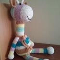 zsiráf, Játék, Játékfigura, Horgolt, több színből  készült csíkos   zsiráf. Ülve 30 cm, jó minőségű pamut fonalból ..., Meska