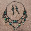Zöld álom nyaklánc szett, A nyakláncot a három nagyobb fém medál ihlette...
