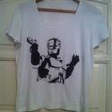 Robotzsaru póló, Ruha, divat, cipő, Festészet, Egyedi, szabadkézzel rajzolt póló. A képen a Robotzsaru látható. Jó minőségű textilfestékkel lett k..., Meska