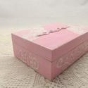 Kincses dobozka shabby chic stílusban, Otthon, lakberendezés, Tárolóeszköz, Doboz, Újrahasznosított alapanyagból készült termékek, Festett tárgyak, Finom nőies dobozka, melyet fehérre, közép rózsaszínre festettem kívülről, egyúttal tortapapír segí..., Meska