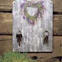 Fali kulcstartó lila virágos, rusztikus, Otthon, lakberendezés, Mindenmás, Kulcstartó, Decoupage, transzfer és szalvétatechnika, Festett tárgyak, A kulcstartó a részemre egyedileg legyártott 6 mm-es fa alapra készült, 29,5 x 21 cm a mérete.  A k..., Meska