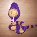 Sziszi a kígyó., Játék, Baba-mama-gyerek, Játékfigura, Plüssállat, rongyjáték, Édes lila-bézs kígyó. 100% akril fonálból,amigurumi technikával horgolt bájos hüllő.Belseje vatelinn..., Meska