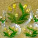 Sárga tulipános kpucsínós készlet, Egy nagy, üvegtálcára, két, kis, üvegtányér...