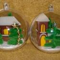Templom és házikó. Karácsonyfa díszek/szett/, 7 cm átmérőjű akril gömbbe havas templomot é...