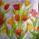 Tavaszi kert selyempárnák. 2 Db., Két 40 x 40 -es selyemre tulipános mintákat fes...