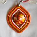 Lampion medál, Ékszer, Medál, Ékszergyurmából készült az ékszer , mely egy piros, bőr szíjon lógó medálból áll.  A medál közepén ö..., Meska