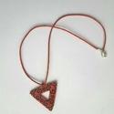 Piros-fekete háromszög nyalánc, Ékszer, Nyaklánc, Peyote technikával készült nyaklánc.  Felhasznált alapanyagok: japán gyöngy, damil, viaszolt ..., Meska