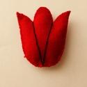 Tulipán hűtőmágnes, Konyhafelszerelés, Hűtőmágnes, Varrás, Kézzel varrtam a virágot. Felhasznált alapanyagok: filc, cérna, tömőanyag, ragasztható mágneslap. M..., Meska