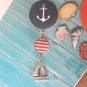 Tengerész nyaklánc, Ékszer, Medál, Nyaklánc, 12mm és 20 mm textilgombok antik ezüst alapban hajó medállal. A lánc 65 cm., Meska