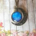 Univerzum nyaklánc, Ékszer, Medál, Nyaklánc, 20 mm kétoldalú üveglencsés medál félholdban 65 cm lánccal., Meska