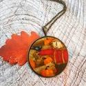 Őszi kert textilgomb nyaklánc, Ékszer, Medál, Nyaklánc, 40 mm őszi mintás textilgomb antik bronz alapban. Lánc hossza 65 cm de kérhető más méretben delfinka..., Meska