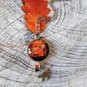 Halloween nyaklánc, Ékszer, Medál, Nyaklánc, Üveglencsés technikával készült antik ezüst 25 mm átmérőjű medál gyöngyökkel és cicával díszítve. A ..., Meska