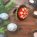 Hópihe textilgomb gyűrű, Esküvő, Ékszer, Gyűrű, 20 mm hópihe mintás textilgomb antik bronz méretre állítható gyűrűben. Nikkelmentes., Meska