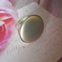 Ezüst bőrgomb gyűrű, Ékszer, Gyűrű, Ezüst színű állítható gyűrűalap 25 mm textilbőr gombbal., Meska