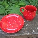 Pöttyös bögre tányérral, Konyhafelszerelés, Bögre, csésze, A pöttyös az igazi. :) Retro hangulatú piros-fehér pöttyös bögre tányérkával. A bögre kb. 2,5-3 dl-e..., Meska