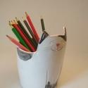 Cica ceruzatartó, cica kaspó, cicás kerámia edény, Baba-mama-gyerek, Otthon, lakberendezés, Gyerekszoba, Tárolóeszköz - gyerekszobába, Cuki cica formára vágott, korongolt kerámiaedény, amely használható ceruzatartóként, de kisebb csere..., Meska