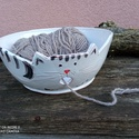 Fonaltartó szürke cica XL méretben, pólófonalhoz, Mázas kerámia tálka, mint segédeszköz kötés...