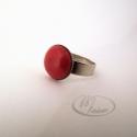 Rusztikus piros kerámia gyűrű, Ékszer, óra, Gyűrű, Rusztikus felületű piros mázas kerámia gyűrű. A kerámiadísz mérete: 1,2 cm Ezüst színű, csipkézett, ..., Meska