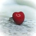 Piros szív kerámia gyűrű, Szép piros színű szív formájú kerámia gyűr...