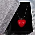 Csábító piros - nemesacél nyaklánc szív alakú medállal elegáns díszdobozban Ajándék, Valentin nap, Nőnap, Anyák Napja, Gyönyörű fényes, piros mázas, kézzel formáz...