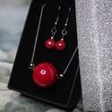 Csábító piros - Kerámia és nemesacél nyaklánc fülbevaló szett elegáns díszdobozban - Ajándék Nőnapra Valentin napra, Nagyon szép, fényes, piros mázas kerámia gömb...