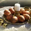 tojástál, -tartó szalvétagyűrűkkel, Dekoráció, Konyhafelszerelés, Otthon, lakberendezés, Ünnepi dekoráció, Kerámia, Húsvéti terítéshez ajánlom korongolt tojástálam melyre a hímes tojásokat rakhatod egy gyertyával, v..., Meska