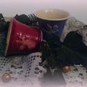 angyalos csészék párban, Dekoráció, Konyhafelszerelés, Ünnepi dekoráció, Bögre, csésze, Fehéragyagból korongolt csészék az oldalán angyalka nyomattal. Belül fehér/szintelen mázas, kívül pe..., Meska