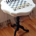 Lerakó asztalka sakktábla mintával díszítve, Bútor, Asztal, Festett tárgyak, Kézzel festett, szép formájú asztalka eladó.  Felhasznált anyagok: Pentart blokkoló alapozó, Harzó ..., Meska