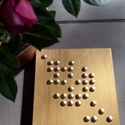 Arany levél 1., Otthon & lakás, Dekoráció, Kép, Lakberendezés, Falikép, Mindenmás, 15x15 cm-es tömbösített fenyő alapra (18 mm vastag) készült, bronzos arany szegekkel, levél minta. ..., Meska