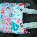 Cicatáska , Kislányoknak ajánlom ezt a kedves, tarka textile...