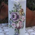 Madárkás váza, Dekoráció, Otthon, lakberendezés, Kaspó, virágtartó, váza, korsó, cserép, Decoupage, szalvétatechnika, Gyönyörű virágok között üldögélő madárkával díszített üvegváza, ami nagyon mutatós dekorációja lehe..., Meska