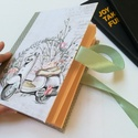 Robogó - Napló hölgyeknek, A napló kézi kötéssel készült, lazac-színű...