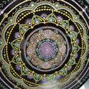 Mandala 12 sugarú, Művészet, Festmény, Akril, Festészet, Nagy bakelit lemezre, kézzel készített 30as átmérőjű kép. Pontozásos technikával készítettem, amiko..., Meska