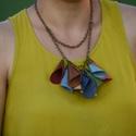 Egyedi, bőr nyaklánc, Ékszer, Nyaklánc, Egyedi, bőr nyaklánc. Mérete a láncnak: kb 65 cm Szines, kérésre más suinekből is készülhe..., Meska