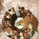 Ajtódísz, Otthon & lakás, Dekoráció, Dísz, Lakberendezés, Ajtódísz, kopogtató, Mindenmás, Egyedi kézzel készült 28cm átmérőjű ajtódísz. Termésekkel, különböző díszekkel tarkítva a karácsony..., Meska