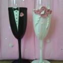 Rózsaszín rózsa esküvői pohár pár, Esküvő, Nászajándék, Esküvői dekoráció, Gyurma, Egyedi kézzel készített pohár pár. Süthető gyurmát használtam a díszítéshez. Bármilyen színösszeáll..., Meska