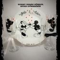 Mickey Minnie esküvői szett, Esküvő, Nászajándék, A szett tartalma: Tányér és pohár pár. Porcelán filccel festve. Kézi mosogatást ajánlom., Meska