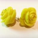 """Sárga rózsás fülbevaló, \""""Azt hiszed, hogy nyílikmég a sárga rózsa...\..."""