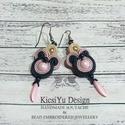 Bézs, rózsaszín, kék sujtás fülbevaló , Ékszer, Fülbevaló, Visszafogott színek, hosszúkás, finom fazon jellemzik ezt a különleges sujtás fülbevalót. A ..., Meska
