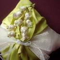 Gyűrűpárna-gyöngyvirág-esküvő, Dekoráció, Esküvő, Gyűrűpárna, Nászajándék, Varrás, Elegáns almazöld és ekrü színű gyűrűpárnám 17x17cm. Közepén gyöngyvirág díszítéssel, melyet magam k..., Meska