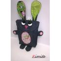 Tojásgyűjtő táska - nyuszi (Zita), Táska, Játék, Húsvéti csoki tojás gyűjtő Nyuszi táska.  Ő egy farmerkék nyuszika rózsaszín mintás és lila kockás f..., Meska