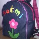 Hátizsák virágos névvel pink, Baba-mama-gyerek, Táska, Hátizsák, Kék színű farmer hátizsák. Virág rátéttel, szivárvány betűkkel, filcből. Megbeszélés alapján készíte..., Meska