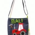 Traktor mintás oldaltáska kisfiúknak , Táska, Válltáska, oldaltáska, Varrás, Famerből és vászonból készült megrendelésre ez a traktoros oldaltáska egy kisfiúnak. Kérésre szives..., Meska