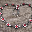 Piros howlit és hematitok - különleges női nyaklánc / ásványnyaklánc éál21, Ékszer, Nyaklánc, Gyöngyös nyaklác, Gyöngyfűzés, gyöngyhímzés, Ékszerkészítés, Különböző formájú matt és fényes hematitok váltakozva,valamint piros howlit ásványgolyók alkotják a..., Meska