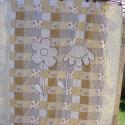 patchworkmintás takaró 2 szál virággal a közepén, Otthon, lakberendezés, Lakástextil, Takaró, ágytakaró, Varrás, Egyedi készítésű takaró lányoknak méret: 200x160cm Ez a takaró alkalmas ágy letakarására és takaróz..., Meska