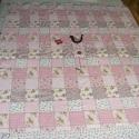 patchworkmintás rózsaszín takaró, madárkás, falvédő, Otthon, lakberendezés, Lakástextil, Takaró, ágytakaró, Varrás, Patchwork mintás takaró madárkával és virággal a közepén!  Egyedi készítésű takaró lányoknak méret:..., Meska