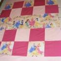 patchwork hercegnős  takaró, falvédő, Otthon, lakberendezés, Lakástextil, Falvédő, Takaró, ágytakaró, Egy hasznos takaró lányoknak méret: 195x130cm Ez a takaró alkalmas ágy letakarására és takar..., Meska